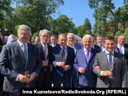 Президенти України (зліва направо): Петро Порошенко, Віктор Ющенко, Леонід Кучма, Леонід Кравчук, Володимир Зеленський, Київ, 24 серпня 2019 року