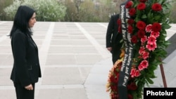 Armenia - Israel's Agriculture Minister Orit Noked lays a wreath at the Armenian Genocide Memorial in Yerevan, 16Apr2012.