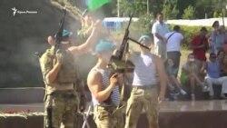 «За ВДВ!»: в Севастополе разбивали бутылки об головы и стреляли из автомата (видео)