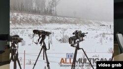 В мережі є фото одного зі змагань російських спепідрозділів зі снайпінгу, в кадр потрапила як гвинтівка Accuracy, так і система JIM LR