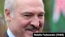 Президент Білорусі Олександр Лукашенко раніше заявив, щобалотуватиметься на новий термін