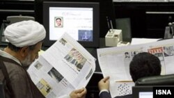 Critics say proposed new legislation in Iran would mean an end to any form of independent journalism in the Islamic republic while playing into the hands of the country's security organs and hard-line conservative judiciary, who would like to see even tighter state control of the media. (file photo)