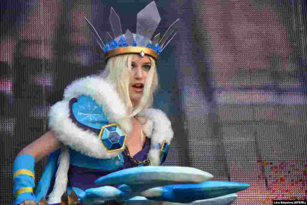 Крістал Мейден – персонаж із гри Dota2