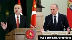 Президент Турции Реджеп Тайип Эрдоган (слева) и президент России Владимир Путин. Санкт-Петербург, 9 августа 2016 года.