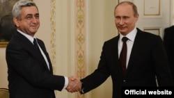 Russia -- President Vladimir Putin meets his Armenian counterpart Serzh Sarkisian in Novo-Ogaryovo, 12Mar2013.