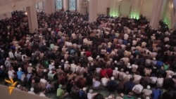 Thousands Celebrate At Moscow's Largest Mosque