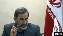 Алӣ Акбар Вилоятӣ