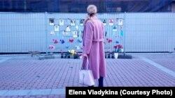 Стена памяти медиков, погибших в пандемию коронавируса в Петербурге