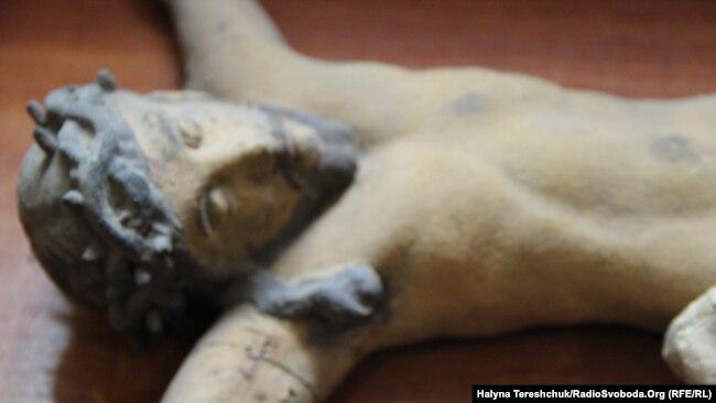 Віднайдена дерев'яна скульптура «Розп'яття»