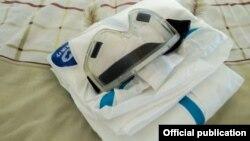 Средства индивидуальной защиты, выдаваемые медицинским работникам в Кыргызстане. 9 июля 2020 г.