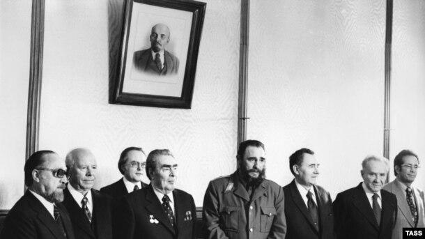Fidel Castro və Leonid Brezhnev