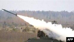 به گفته یک مقام روسی، سامانه دفاعی تور- ام يک شامل موشک های کوتاه برد زمين به هواست.