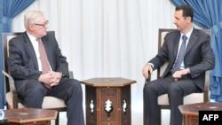 Сирия -- Президент Башар ал-Асад Орусиянын тышкы иштер министринин орун басары Сергей Рябков менен. Дамсак, 17-сентябрь, 2013.