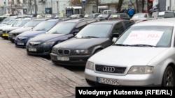 Українці вже розмитнили десятки тисяч авто з іноземною реєстрацією