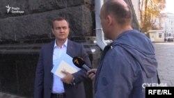 Офіс президента регулярно відвідують міністри і депутати. Один з них – керівник бюджетного комітету Верховної Ради Юрій Арістов