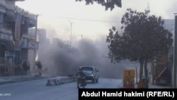 دود برخاسته از انفجار ماین مقناطیسی در ناحیه پانزدهم شهر کابل