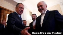 Рускиот министер за надворешни работи Сергеј Лавров и неговиот ирански колега Мохамед Џавад Зариф