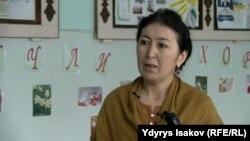 Жалиловтың бұрынғы сынып жетекшісі Фатима Қадырахунова. Қырғызстан, Ош облысы, 3 сәуір 2017 жыл.