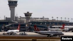 Аэропорт «Ататюрк». Архивное фото.