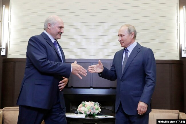 Александр Лукашенко и Владимир Путин во время встречи в августе 2018-го