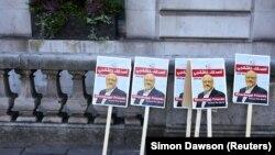 Londondakı Səudiyyə səfirliyi qarşısında jurnalistin öldürülməsinə etiraz aksiyası