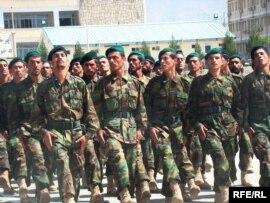 تعداد از سربازان اردوی ملی افغانستان