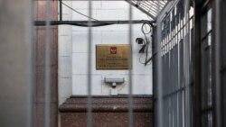 Ваша Свобода | Російські дипломати залишають Україну