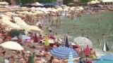 Dok se korona širi u Crnoj Gori masovni turizam