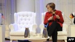 Merkel Haaqada Obama ilə görüşü gözləyir