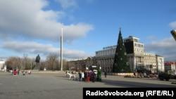 Центральная елка Донецка на площади Ленина