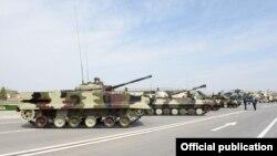 Ադրբեջան - Ռուսական արտադրության զինտեխնիկան Նախիջևանի ռազմակայանում, ապրիլ, 2014թ․