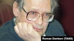 Советский диссидент и российский правозащитник Сергей Ковалев, 1996 год