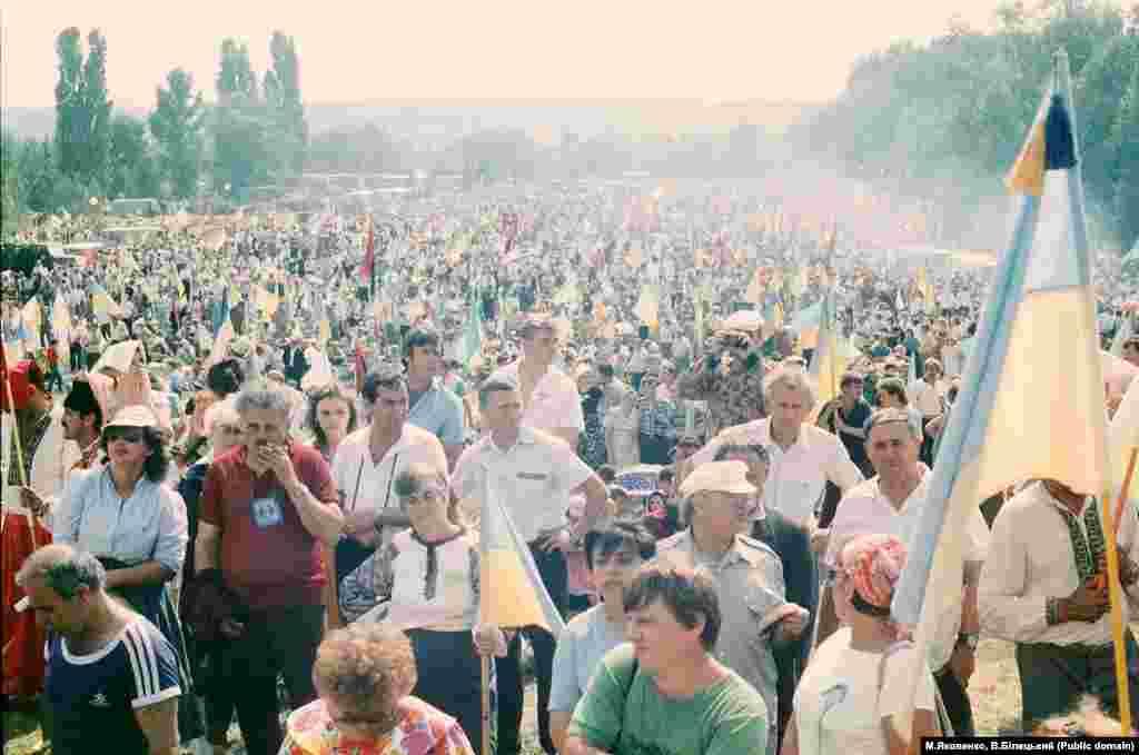Відзначення 500-ліття Запорозького козацтва у 1990 році було потужним історико-просвітницьким заходом Народного руху України і відіграло важливу роль на шляху до відновлення незалежності Української держави