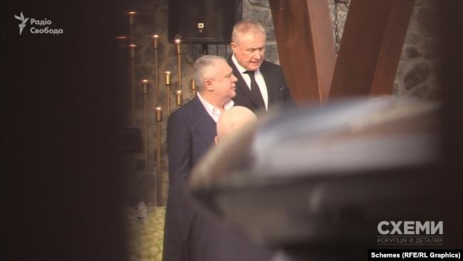 «Схемам» вдасться зафільмувати з-поміж гостей весілля і Григорія Суркіса, і його брата Ігоря