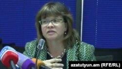 Директор ереванского офиса Всемирного банка Лора Бейли (архив)