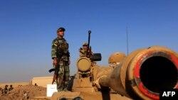 """Бойцы курдского отряда """"пешмерга"""" в окрестностях Эрбиля."""