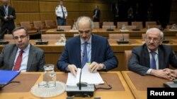 بشار الجعفری (وسط) سفیر سوریه در سازمان ملل متحد