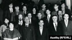 Делегаты от Башкортостана на I съезде (Всесоюзного) Татарского общественного центрав Казани (февраль 1989 года).Во втором ряду третий слева — Марат Рамазанов, в третьем ряду второй справа — Карим Яушев