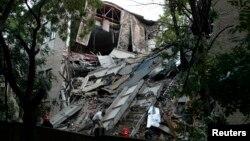 Разрушенное здание Национального университета экономики и торговли в Донецке. 29 июня 2017 года.