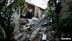 Донецкіде жарылыстан қираған Ұлттық экономика және сауда университетінің ғимараты. Украина, 29 маусым 2017 жыл.