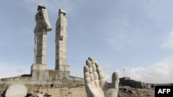 "The still-incomplete ""peace and brotherhood"" monument in Kars during construction in April 2009"