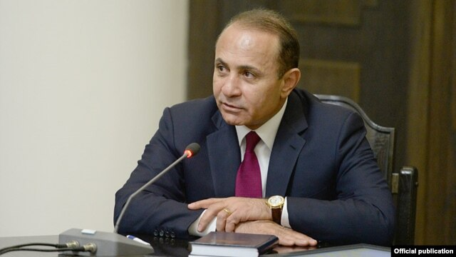 Armenia - Newly appointed Prime Minister Hovik Abrahamian addresses a cabinet meeting in Yerevan, 14Apr2014.