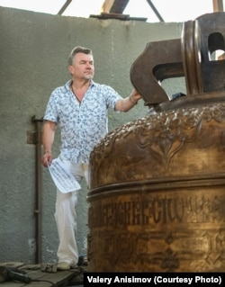 Valery Anisimov at his bell foundry near Voronezh