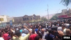 The huge crowd of protesters in Shiraz on August 2 refutes some of the claims made by the interior minister.