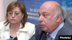 Armenia - Harutiun Hambardzumian, head of the election-monitoring organization It's Your Choice, at a news conference in Yerevan, 3Apr2012.