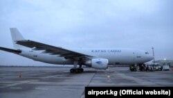 Cамолет Airbus А300В4 авиакомпании «Кыргызские Авиалинии Плюс» в аэропорту «Манас».