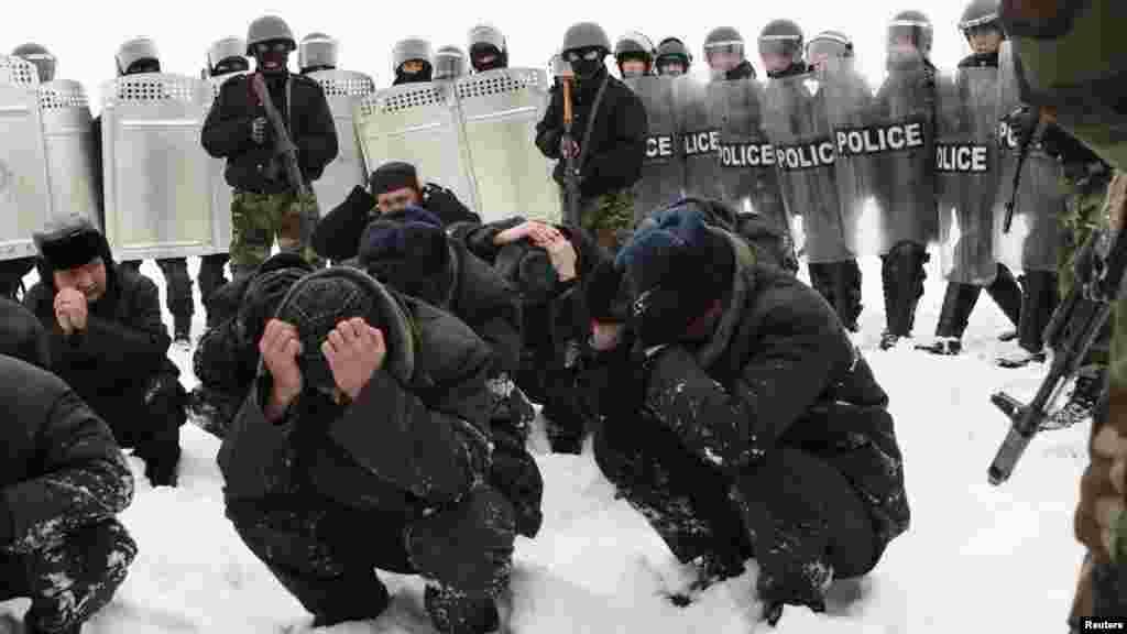 Силовые структуры провели спецобучение по подавлению бунтов в местах заключения.