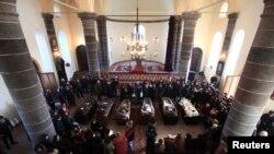 Во время похорон в Гюмри членов семьи Аветисян