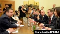 Gido Vestervele tokom susreta sa srpskim zvaničnicima, 20. maj 2013.