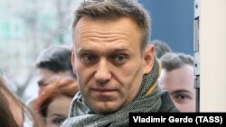 Russian anti-corruption campaigner Aleksei Navalny (file photo)